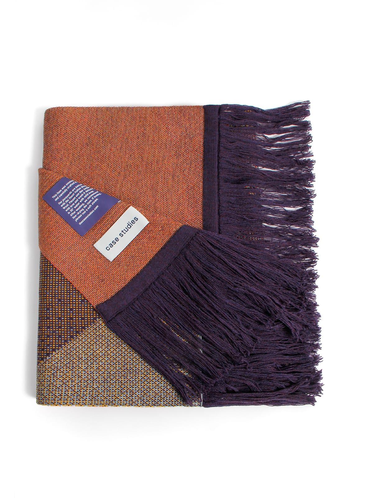 Knitted Scarf Musselshell - Merino Wool folded